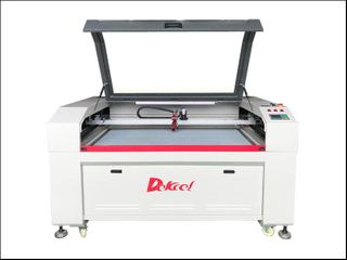 1390 CCD Fabric Visual Contour Cutting Laser Cutting Machine